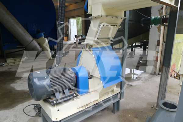 Twice hammer mill